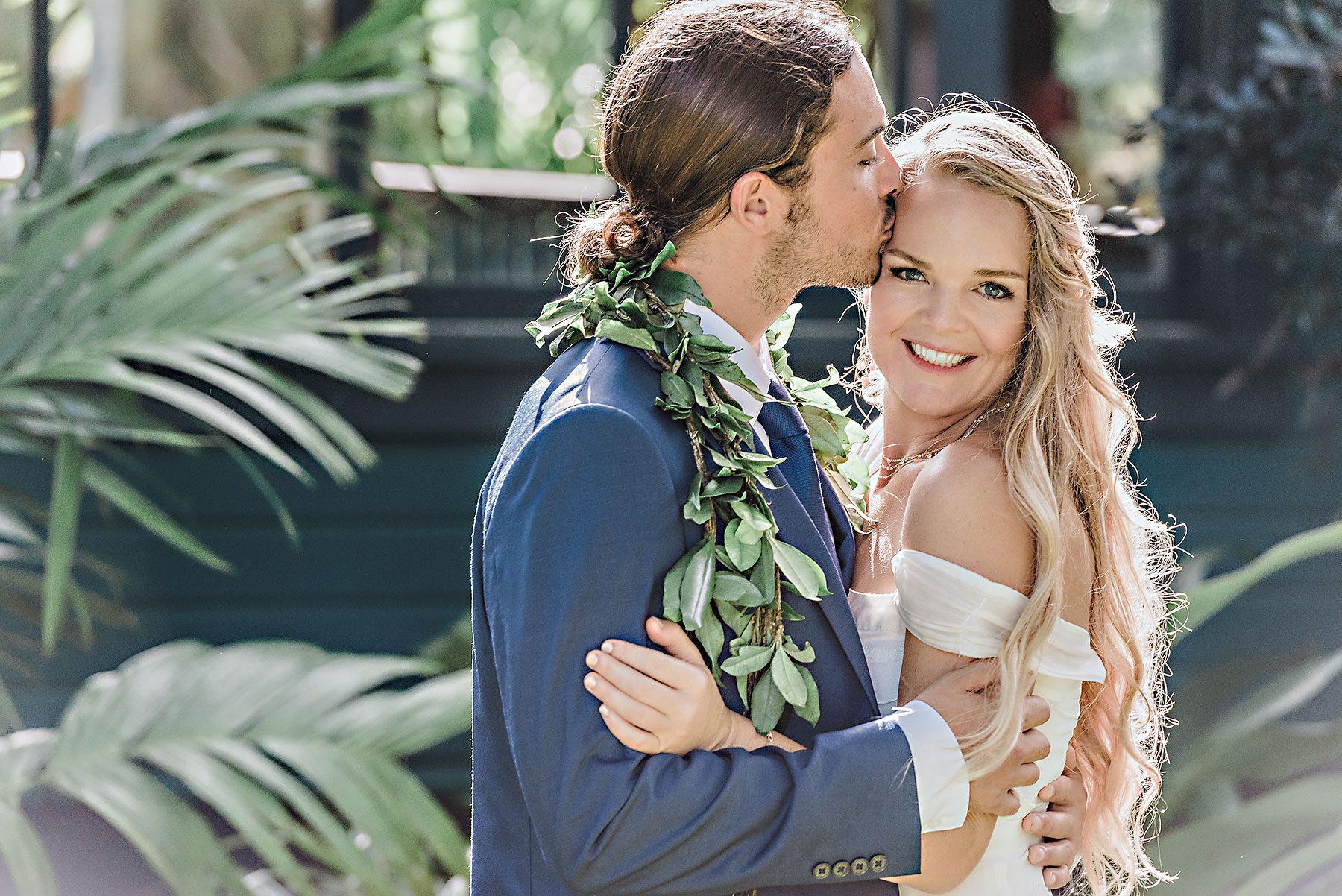 Award winning wedding photographers maui