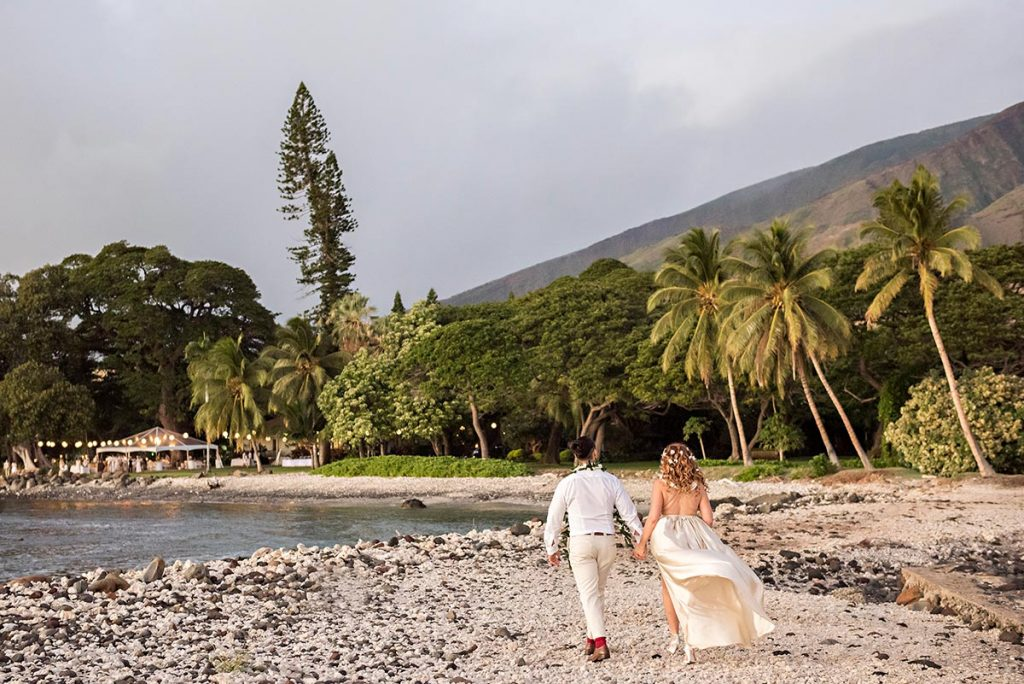 Hawaii Bride and Groom at Olowalu Plantation House Wedding Photography
